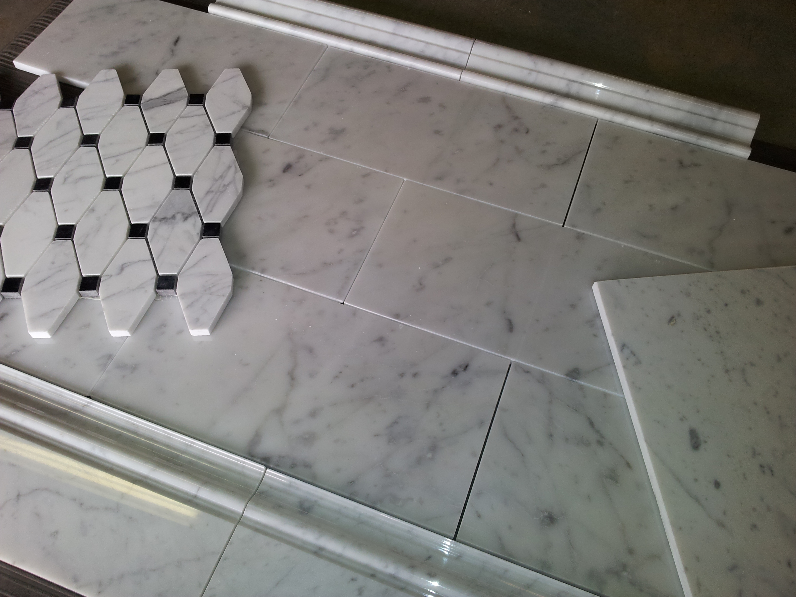 $8SF Carrara Bianco Subway Tile Marble Skirting & Chair Rail
