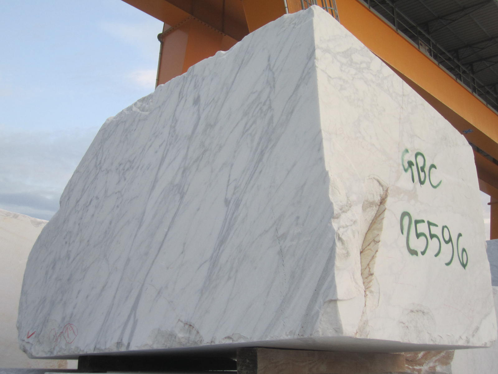 Carrara Bianco Marble Block Selection And Rejection