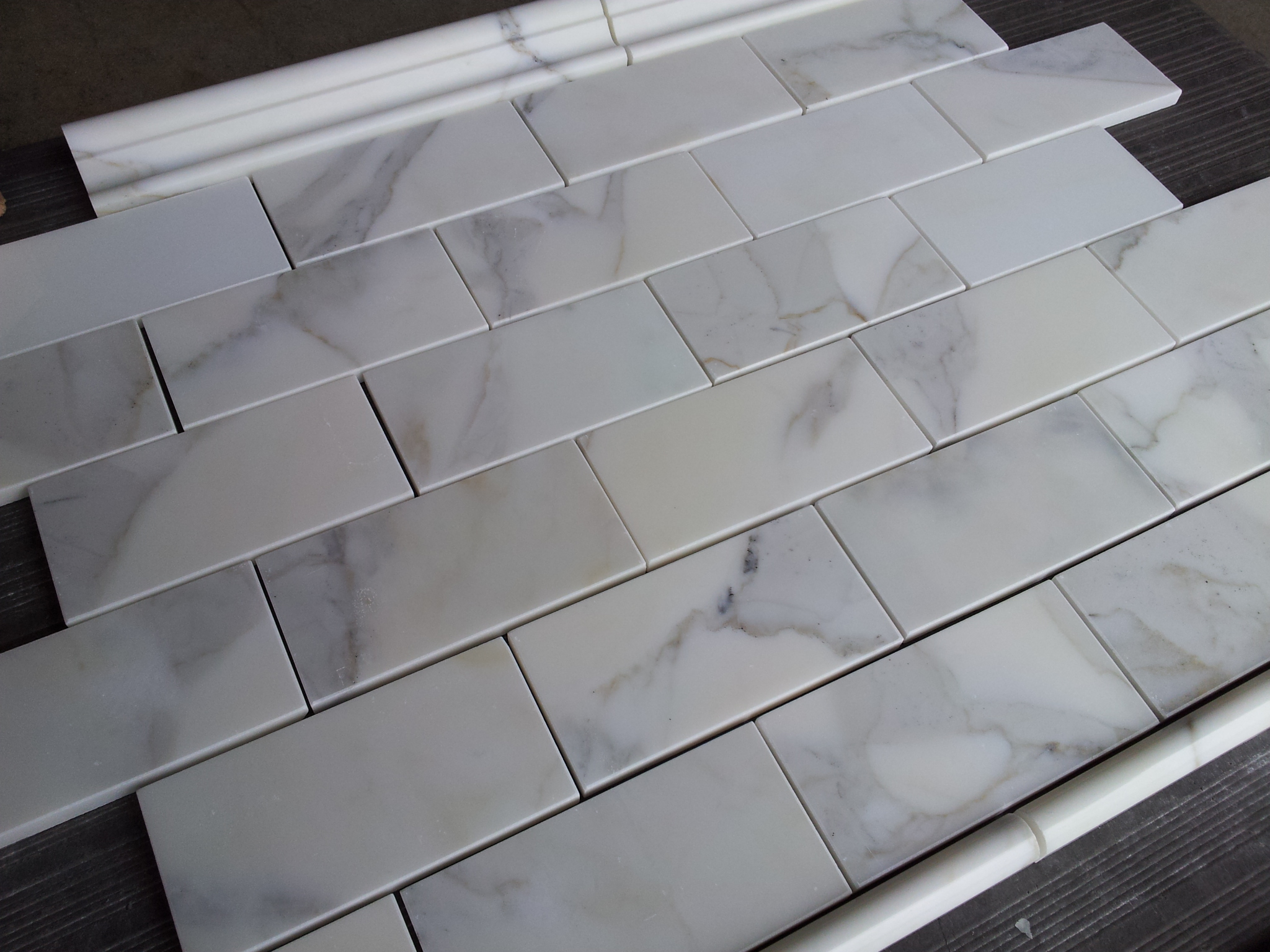 Calacatta Subway Tile Marble The Builder Depot Blog - Carrara porcelain tile 3x6