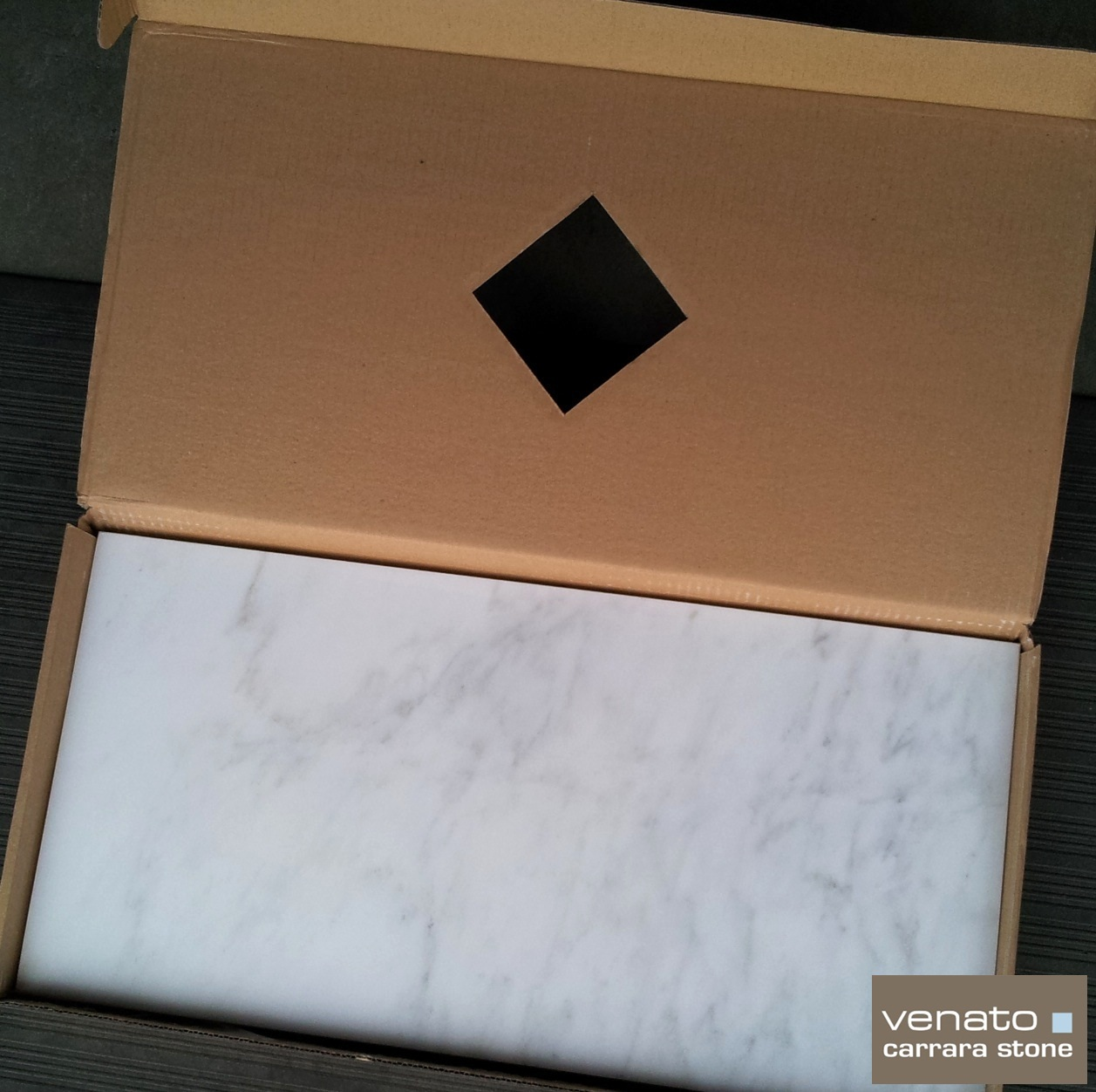 12x24 Box Carrara Venato