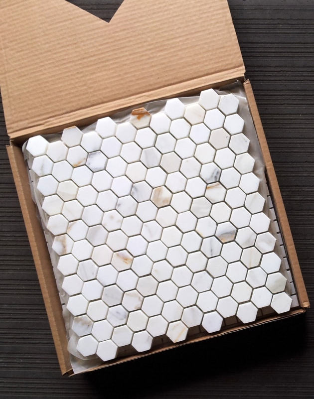 "Calacatta 1x1"" Hexagon Mosaic"