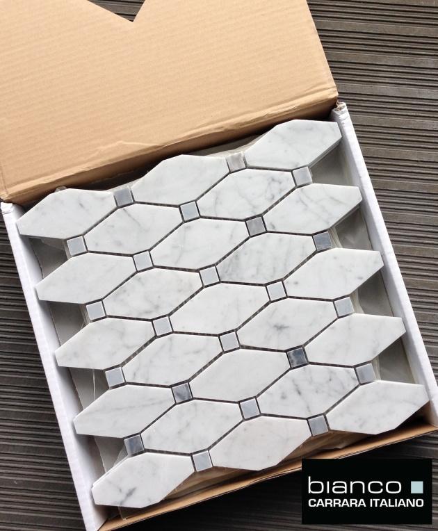 "<img src=""Carrara Bianco Long Octagon.jpg"" alt=""Carrara Bianco Long Ocatgon"" />"